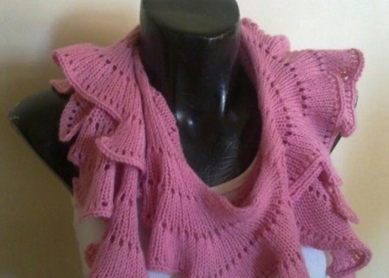 МК необычного веерного шарфика спицами