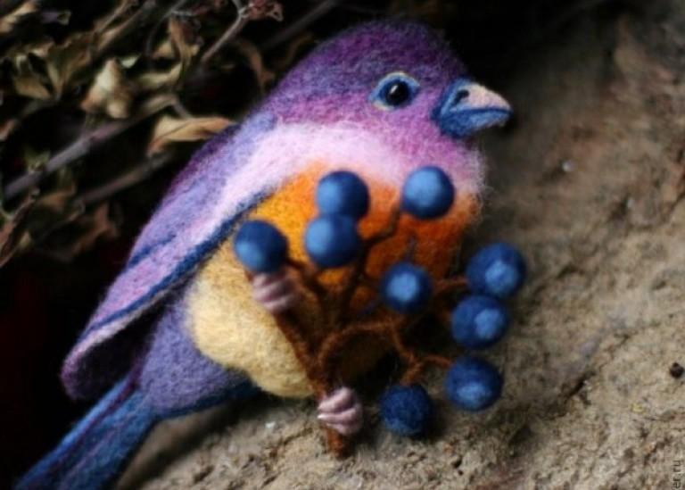 Валяем брошь «Птица – сентябринка»